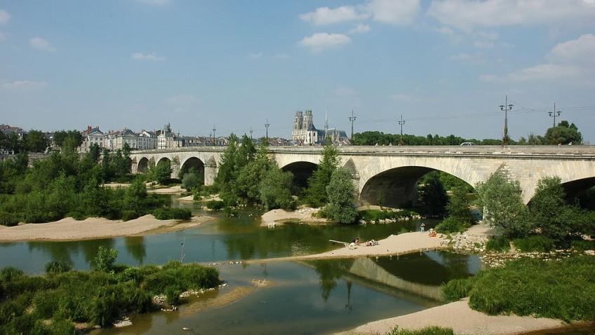 Orléans : porte ouverte sur la Loire