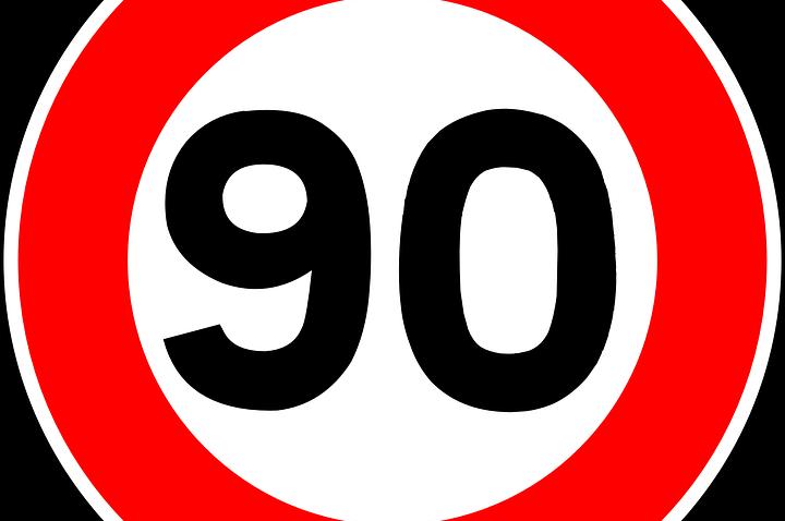 Vers la fin des panneaux de limitation de vitesse à 90 ?