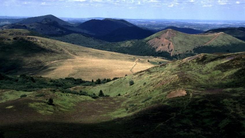 Réservez vos vacances en Auvergne