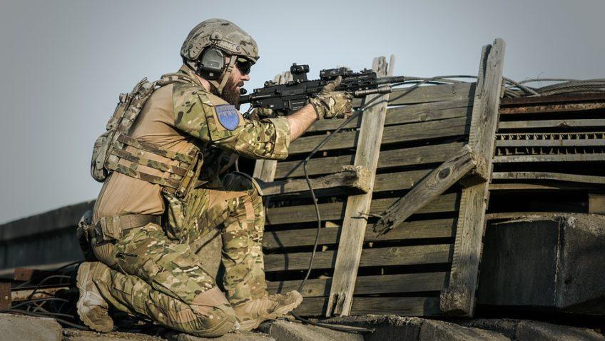 Le treillis : de l'armée à la rue