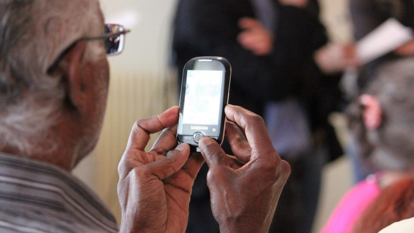 Quel téléphone portable à clapet sans abonnement choisir ?